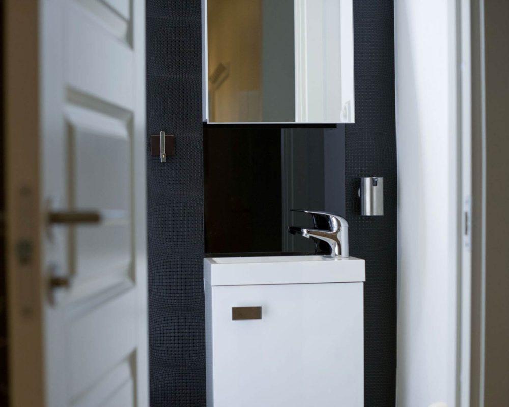 Moderna Gruppen badrum i Årsta efter renovering